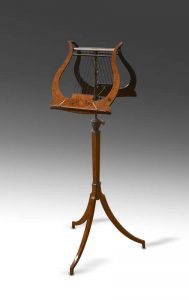 Lyre duet stand